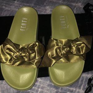 Shoes - Autentic fendy flip flops
